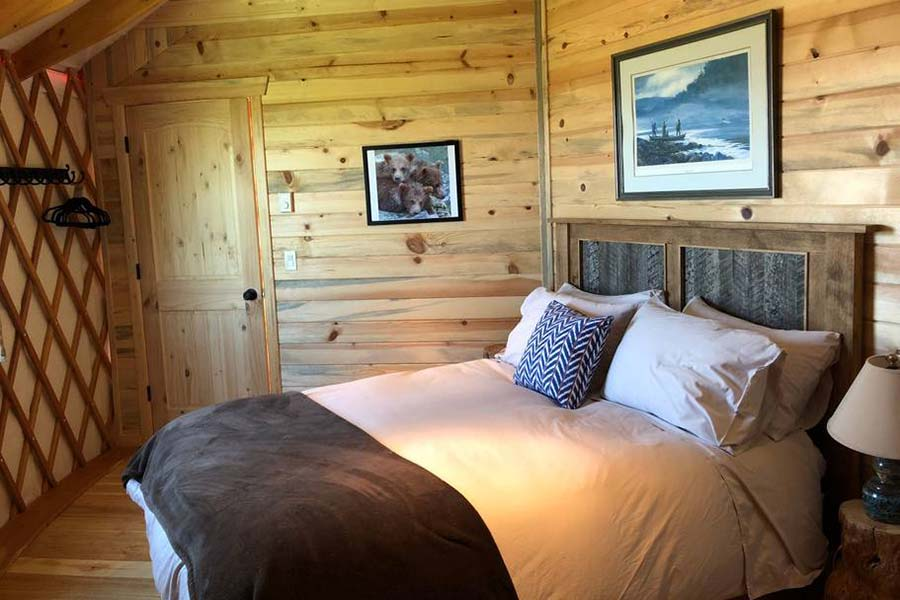 Linda, the super fabulous host, offers this gorgeous yurt that has been steadily rented since it was 'born'. Decorated exquisitely in western/Montana décor and showcasing a gorgeous kitchen and bath. The bedroom suites are graciously sized and appointed with all the comforts of home.