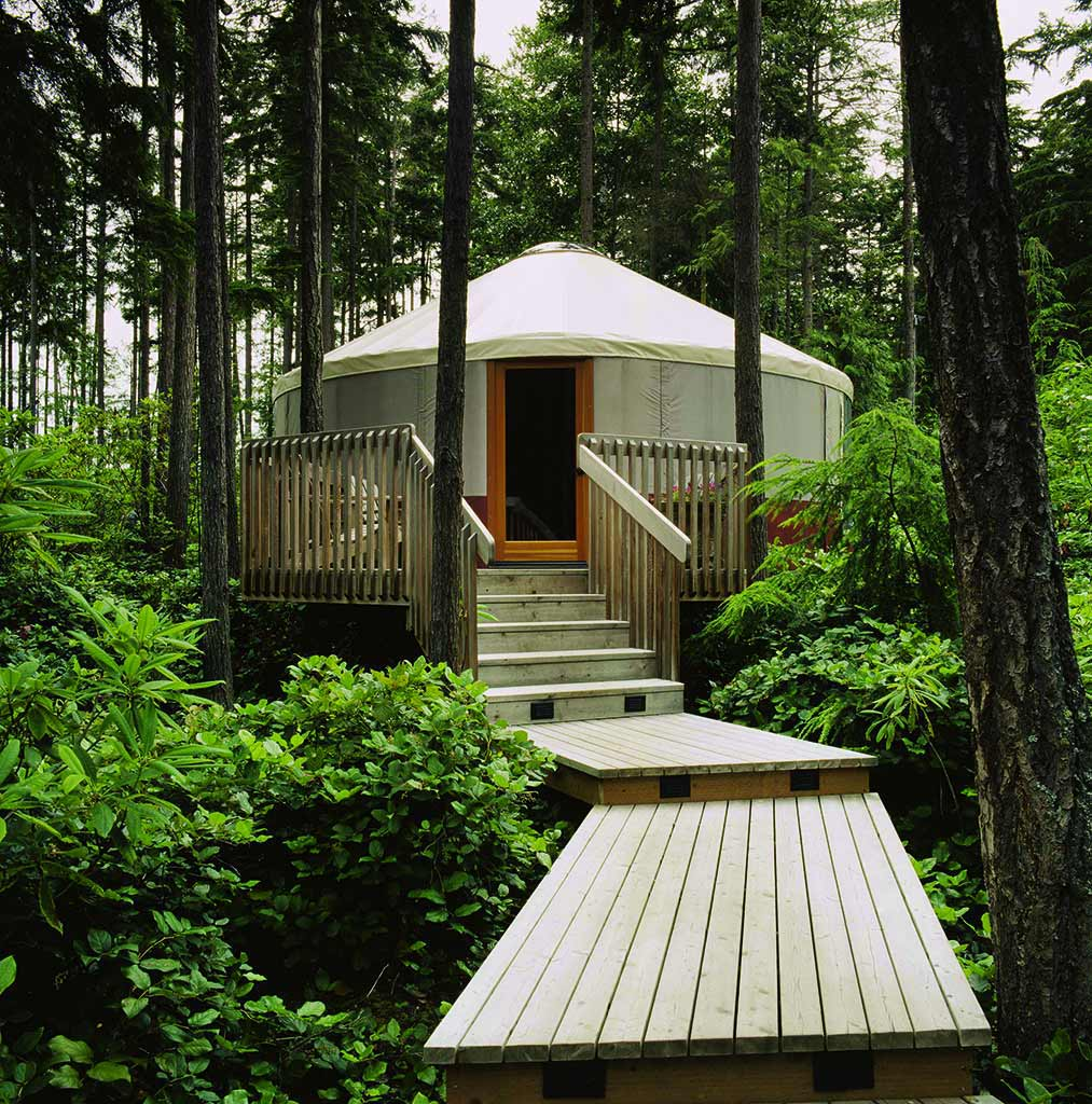 Yurt_with_deck